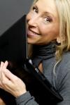 1_-La-scrittrice-Marta-Lock-in-una-foto-di-Massimo-de-Ceglie