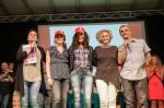Elisa Turrini con i presentatori e le protagonista di una tappa delle scorse edizioni