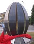 Il monumento al melone eretto alle porte di Rodigo